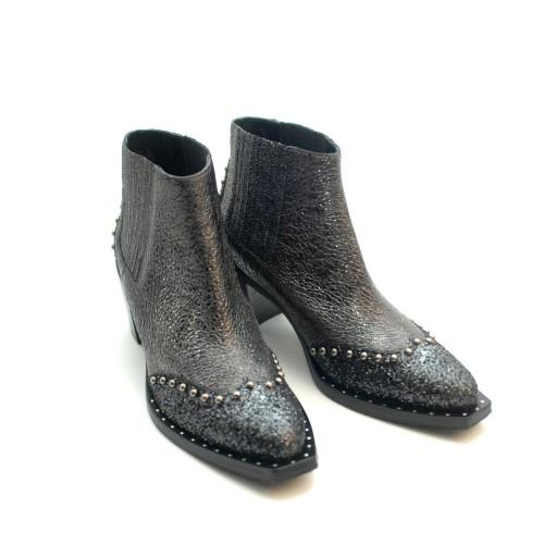 elysess-velvet-slippers-ribed-white-platform