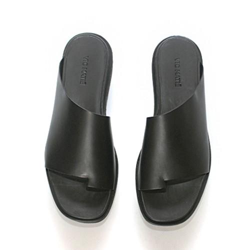 Vic-Matie-asymmetrical-slipper 1