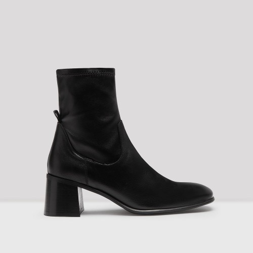 E8 BY MIISTA azra black boots1