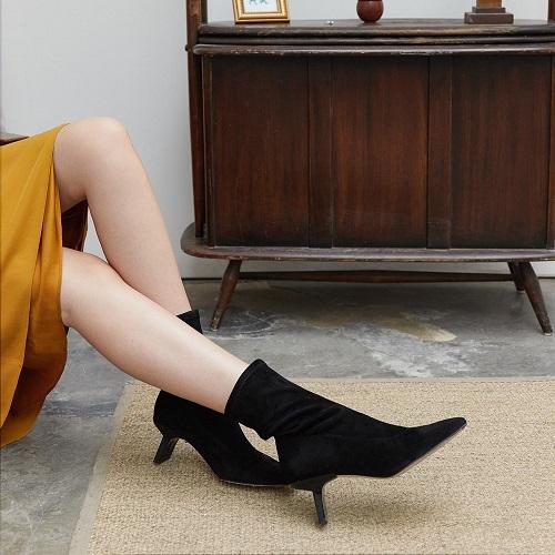 miista-genevieve-black-suede-stretch-boots-12 - Copy