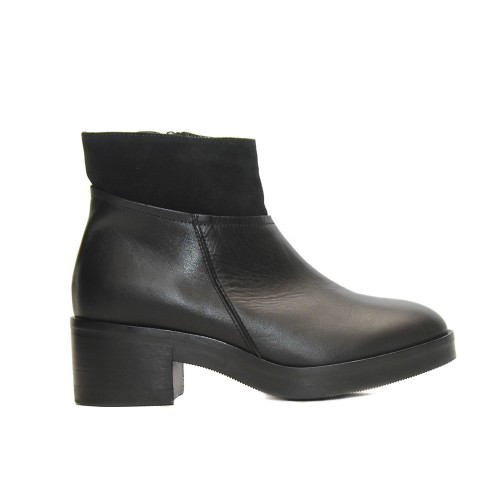 Lilimill 6431 Black Leather Ankle Boots Rubber Sole1