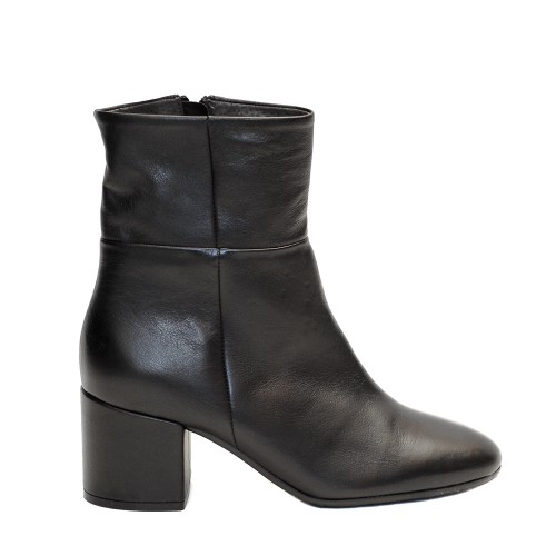 Paola Ferri Black Leather Boots Block Heel1