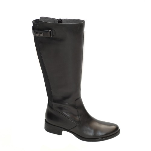 Paola Ferri Black Leather Flat Boots1