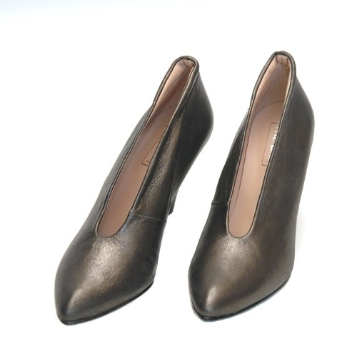 The-Bag-Laminated-Graphite-Leather-High-Heel-Pumps2