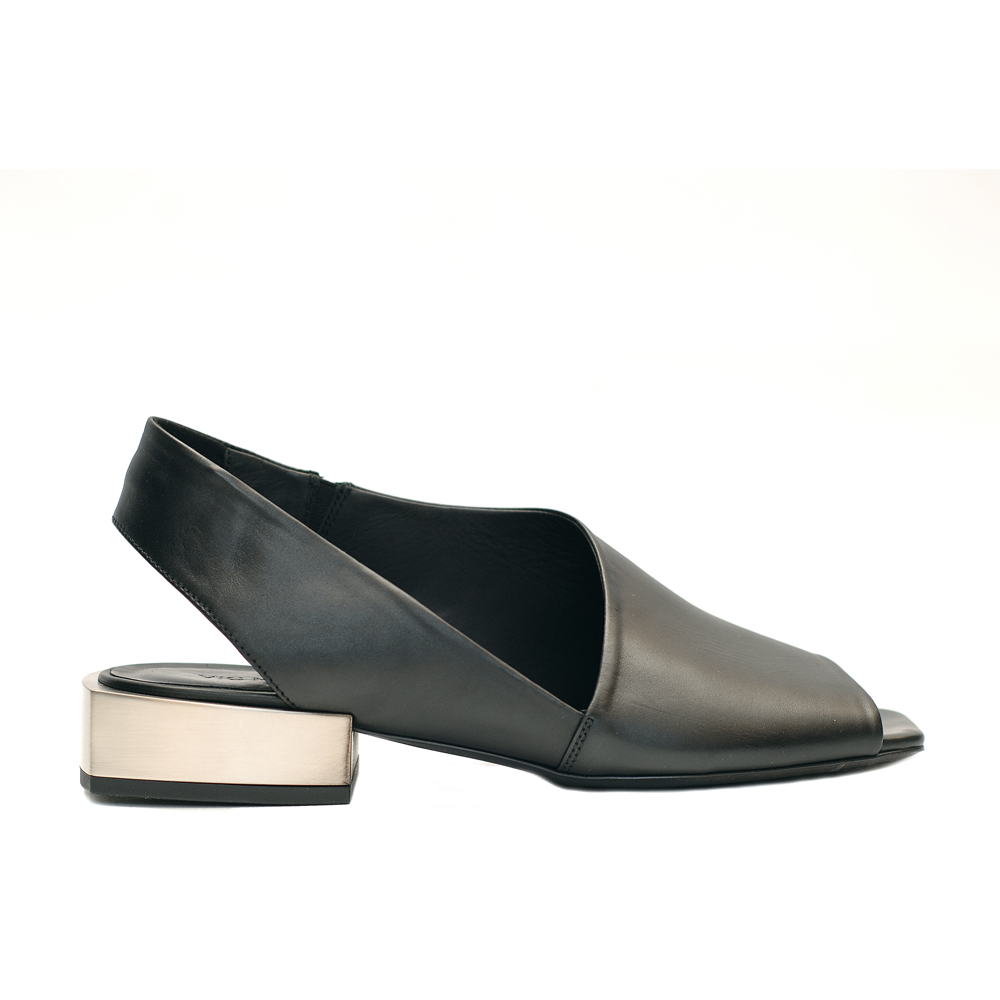 Vic matie peep toe sandal leather black