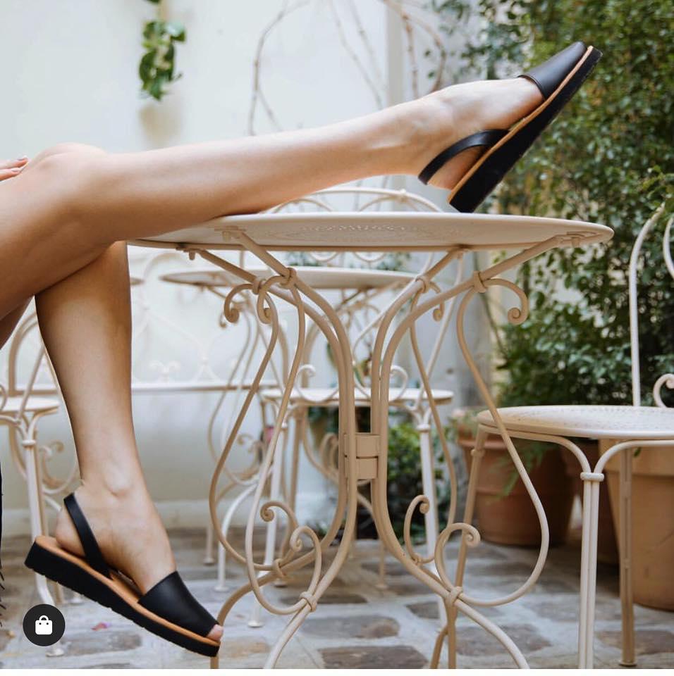 Minorquines Avarca Platja Black Leather Sandals