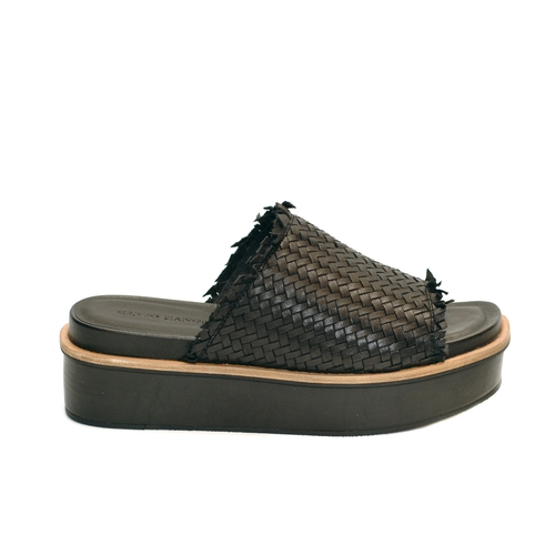 elvio-zanon-black-knitted-leather-slides