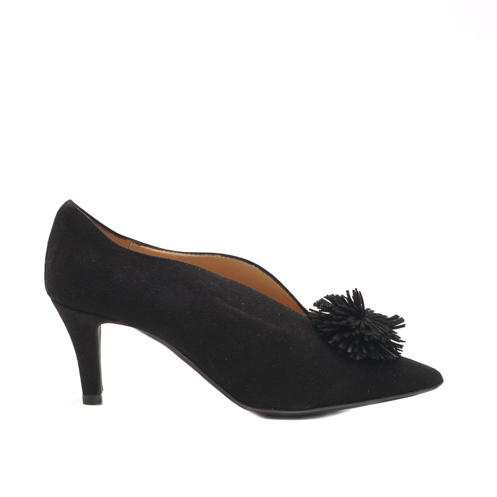 The Bag Black Suede Pumps Suede Tassel