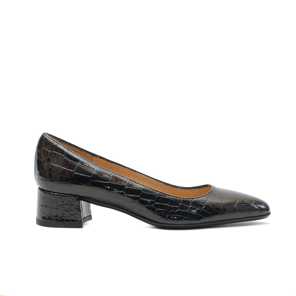 The Bag Crocco Patent Leather Pumps
