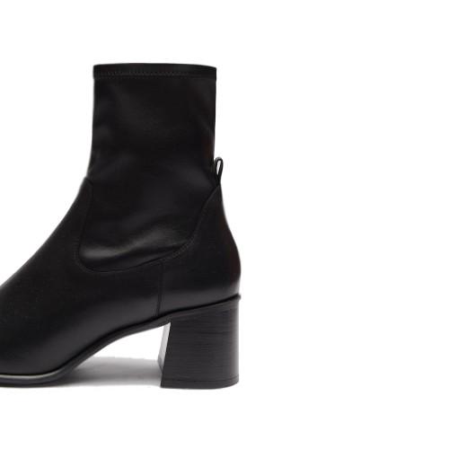 e8-by-miista-azra-black-boots
