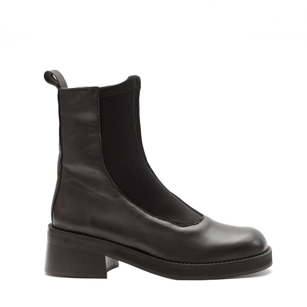 E8 Miista Abigail Black Boots