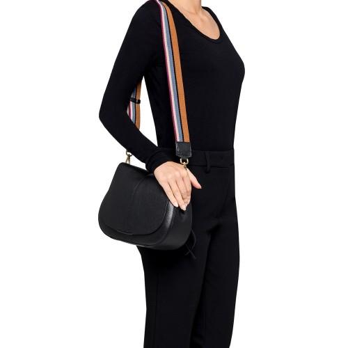 Gianni-Chiarini-Helena-Medium-Black-Leather-Bag-worn