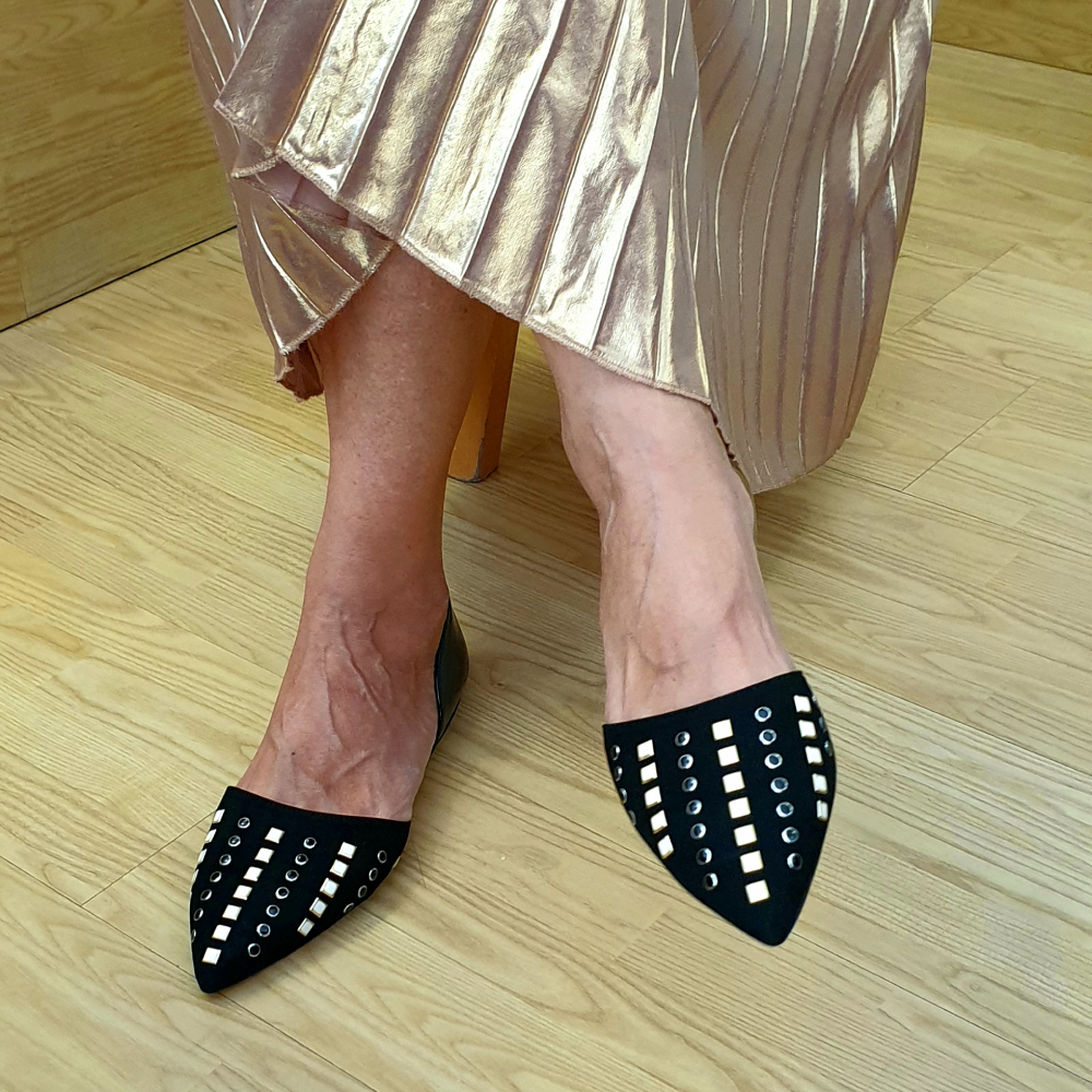 The-Bag-Black-Flats-Black-And-White-Studs-4
