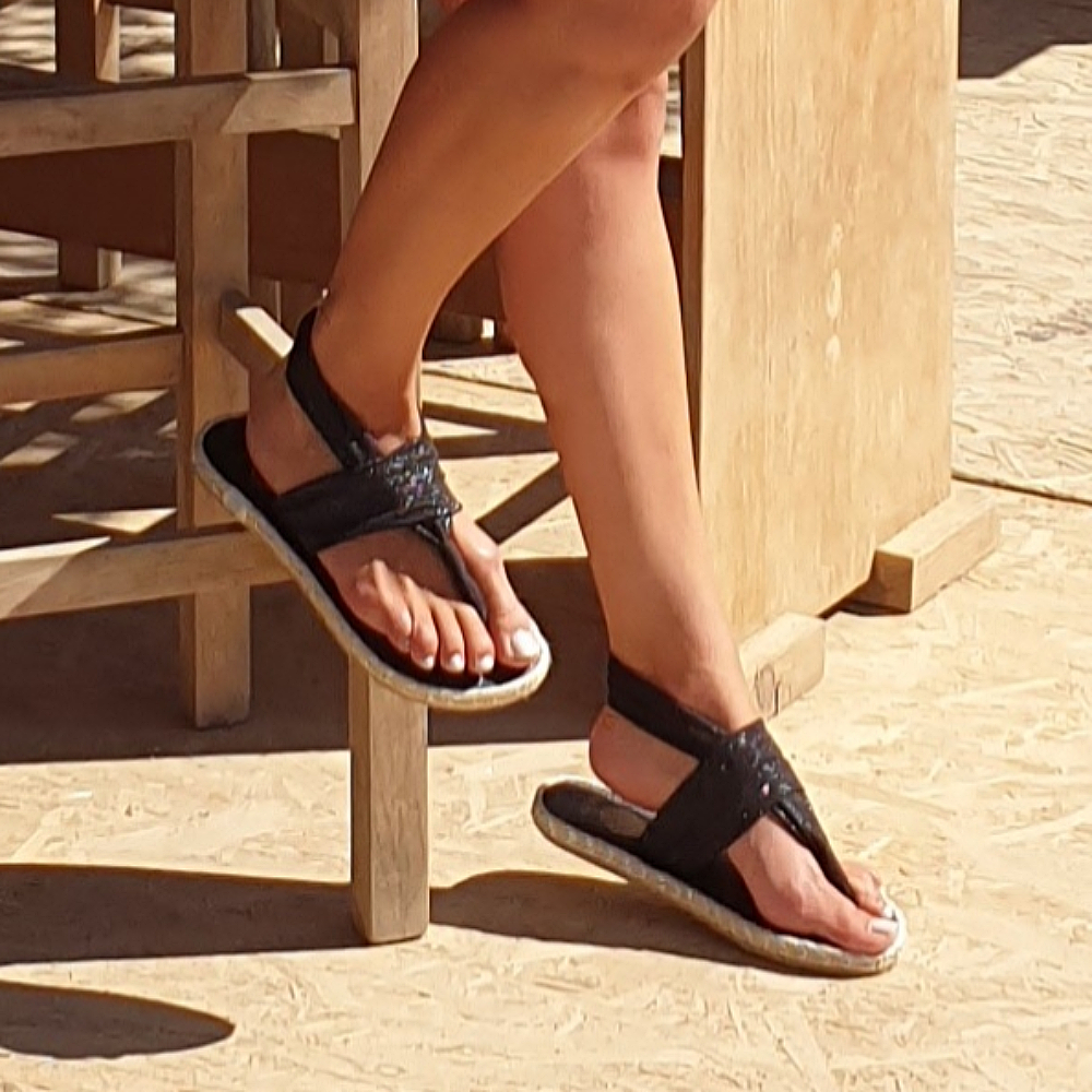 Nalho-Black-Elastic-Band-Soft-Sole-Sandals-4