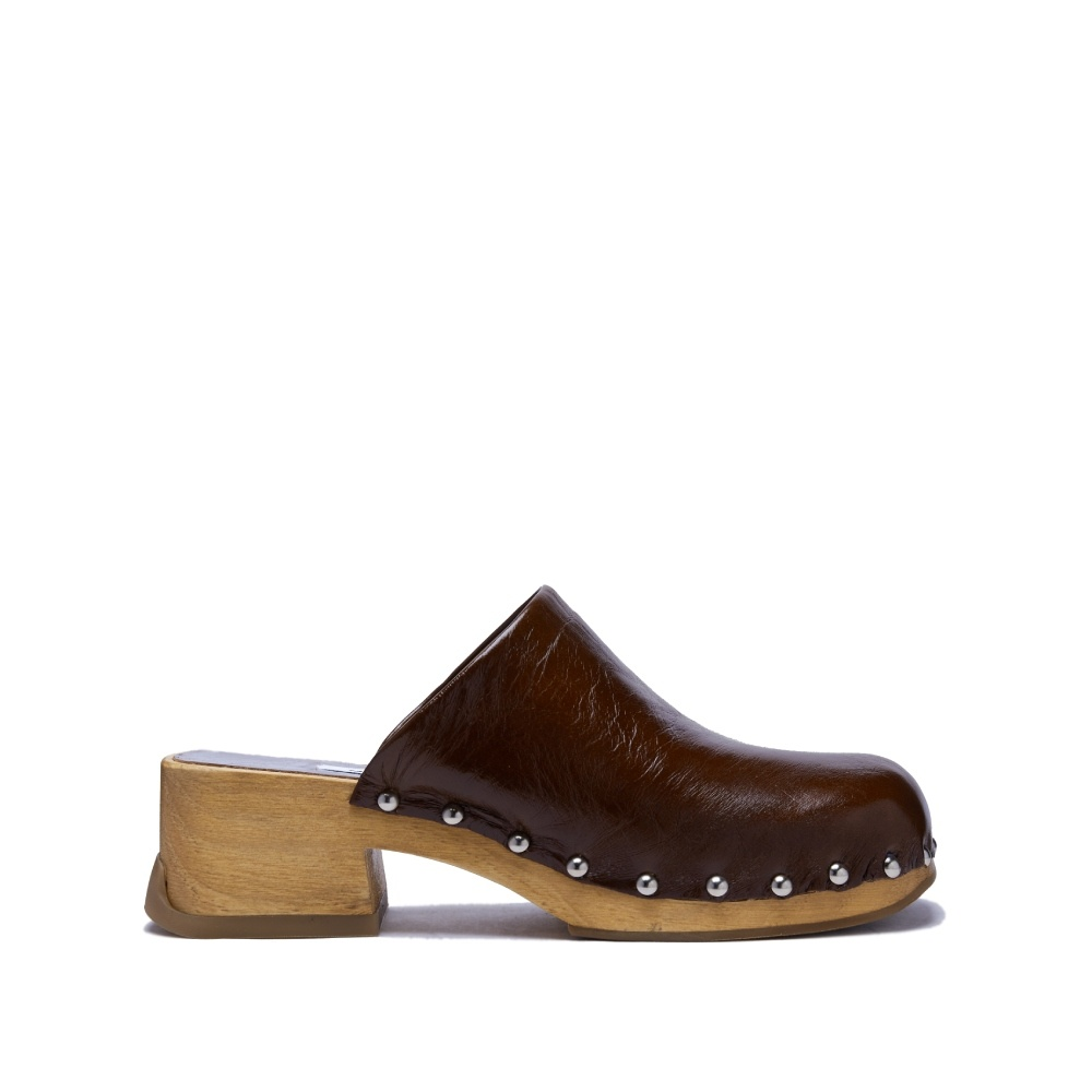 Miista Allison Brown Cracked Leather Clogs